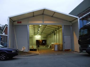 bespoke temporary buildings on uneven or sloping ground