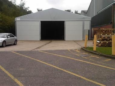 Thermo-insulated temporary storage building case study