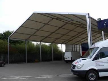 Loading bay extension - parcel company