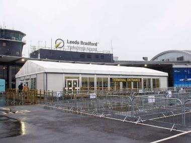 Temporary building for airport reception areas