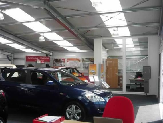 car-showroom-stkia-12